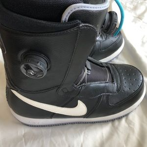 NIKE ZOOM ZF1 X BOA SNOWBOARDING BOOTS SIZE 8
